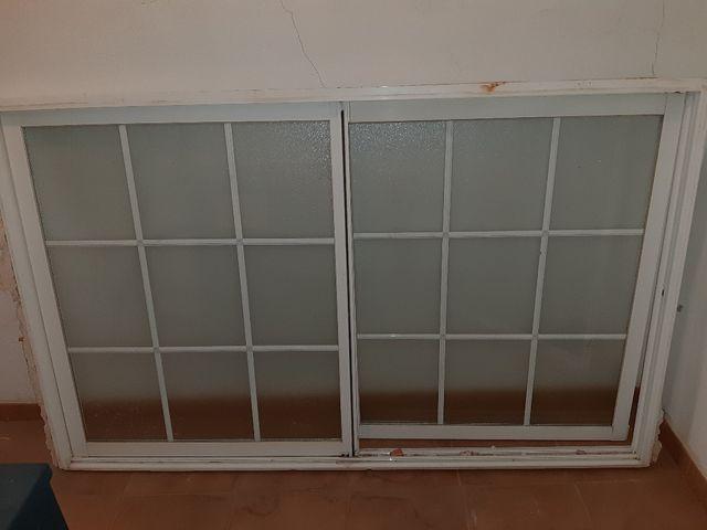 ventana corredera con mosquitera