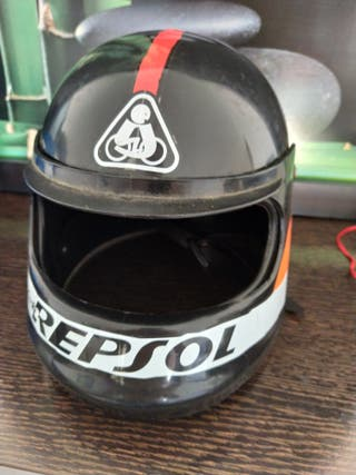 casco de juguete repsol