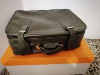 maleta cuero vintage