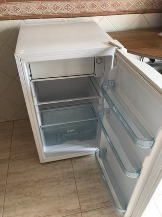 Nevera con congelador daewoo electrica