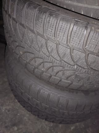 Bridgestone Blizzak 275/45 r20