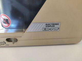 Grapadora eléctrica Stapler EH-70F