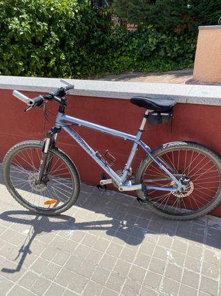 "Bicicleta Mountain Bike marca Kona 26"""