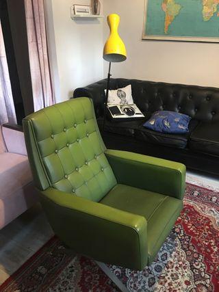 Butaca Sillón chester en skai verde años 70 UNICA