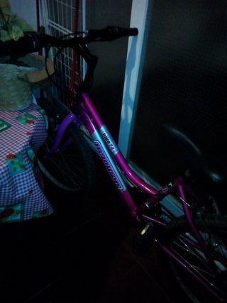 bicicleta nueva muy poco uso está perfecta de todo