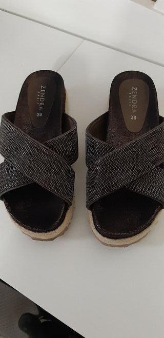 sandalia de cuña
