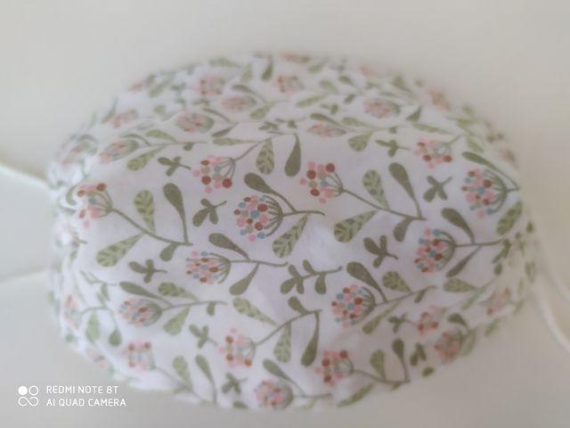 Mascarilla infantil motivo floral
