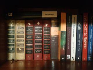 Unos 200 libros