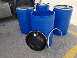 200 litros con tapa y fleje de ballesta.