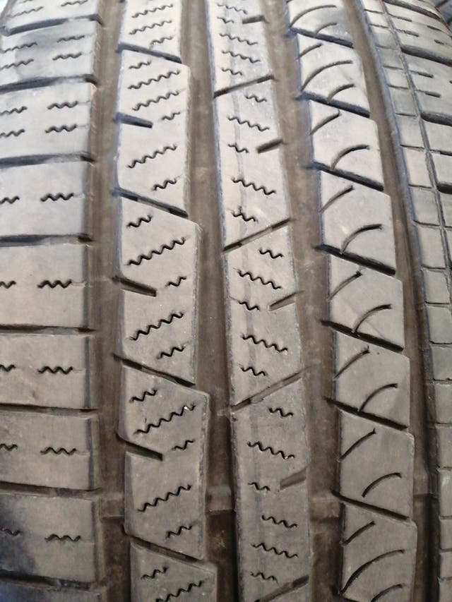 235/55 R19 101v M+S continental croscontact sport