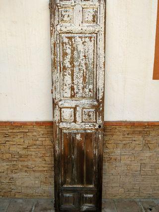 Puerta antigua uso decorativo