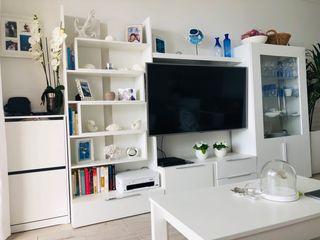 Mueble salón con vitrina y zapatera de regalo