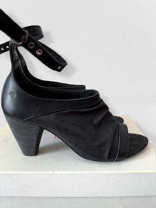 Zapatos abiertos Hakei