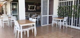 FOR Sale Business Restaurant/Pizzeria in Canaria