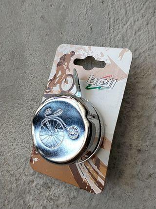 Timbre clásico para bicicleta antiguo, retro.