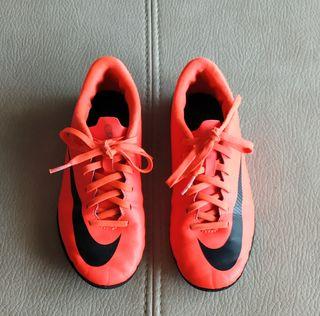 Zapatillas Nike. Número 33.