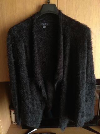 chaqueta negra