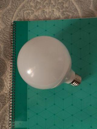 vendo bombilla LED. tipo globo