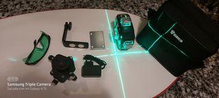 nivel láser 3D autonivelante 12 líneas