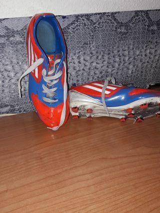 zapatos futbol sesped