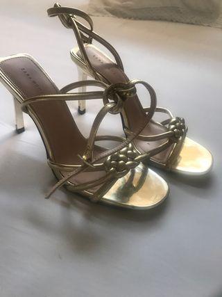 Sandalias doradas tacón 7 cm talla 40