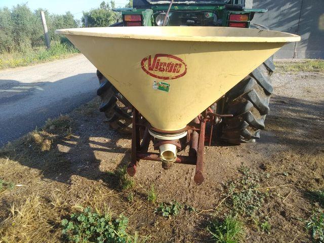 Abonadora/ sembradora VICON
