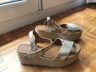 Sandalias doradas plataforma