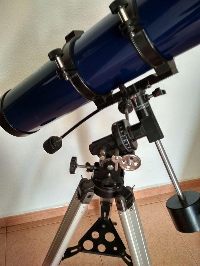 Telescopio reflector (newtoniano) 114/900