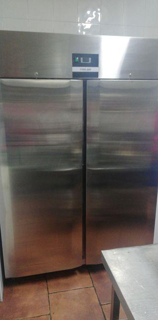 Armario frigorifico marca Cool Head
