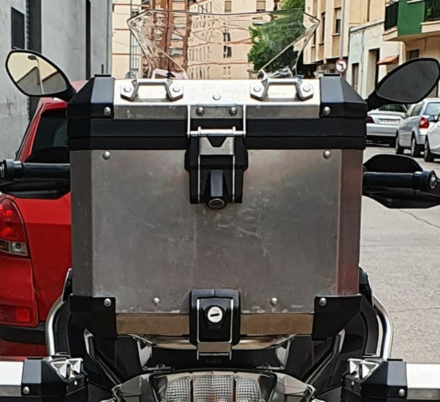 Cambio/vendo top case bmw por givi outback 58l