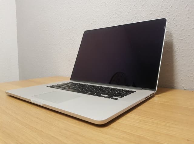 """Mac book pro 15"""" retina (Averiado)"""