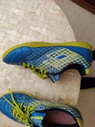 zapatos de futbol sin tacos
