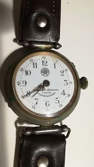 Reloj de pulsera Roskopf cuervo y sobrinos