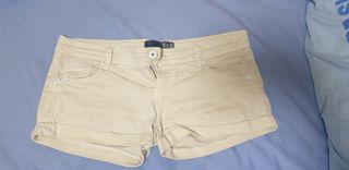 pantalon short amarillo