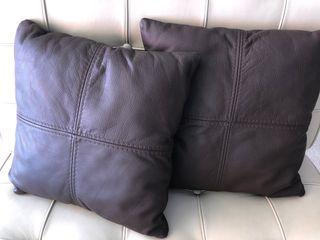 2 housses de coussin en 100% cuir Couleur marron t
