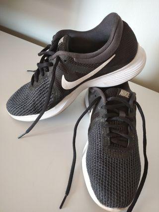 Nikes running