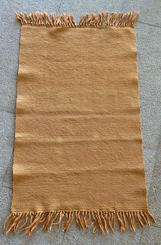 Tapis couleur safran orangé en coton 85 x 55,5 cm