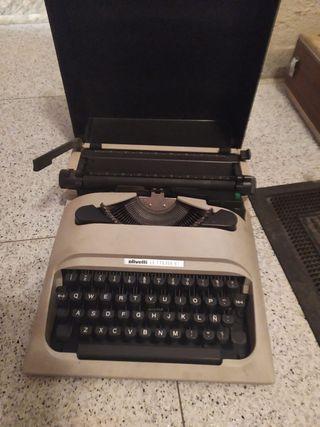 Máquina de escribir antiguo