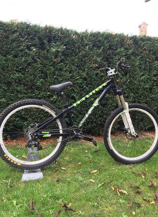 Bicicleta Saracen Dual DH Dirt