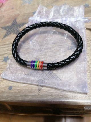 pulsera tricolor para el orgullo gay