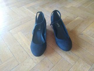 Zapatos Maripaz talla 40 tacón medio