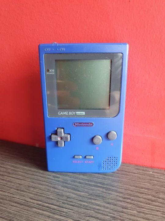 Consola Gameboy Pocket con 4 juegos