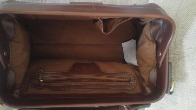 Bolso marron estilo maletin medico