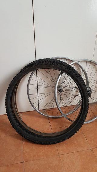 llantas y neumaticos para bicicletas.