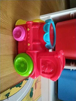 Tren de juguete de Playskool. Juguetes de bebé