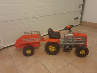 Tractor niños injusa