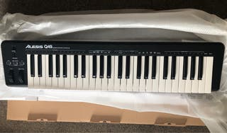 Alesis Q49 Desktop MIDI Keyboard controller