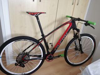 Bicicleta mtb carbono 29 talla M