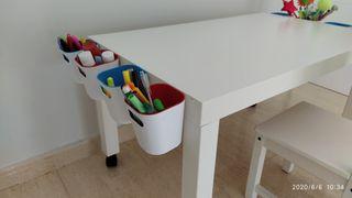 Mesa de trabajo para niños, con silla