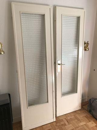 Puerta doble con Cristal de madera maciza